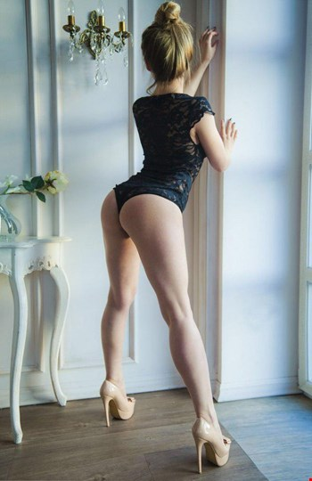 Escort Kharkiv, Escort Polina, Kharkiv | 19 year old Female escort