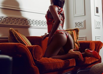 Escort Athens, Escort Isabella, Athens | 22 year old Female escort