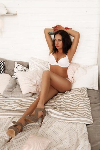 Escort Minsk, Escort Elena, Minsk | 27 year old Female escort