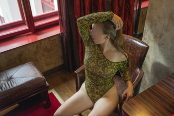 Escort Prague, Escort Louise Pearl, Prague | 29 year old Female escort