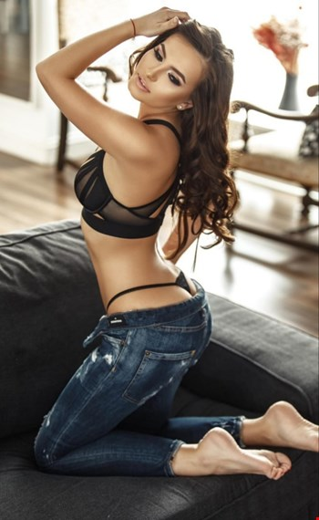 Escort Dortmund, Escort Pollina, Dortmund | 28 year old Female escort
