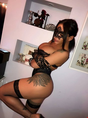 Escort Istanbul, Escort Top shemale Afet, Istanbul   22 year old Transexual escort