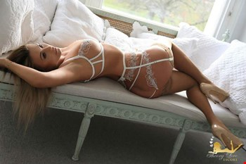 Escort London, Ella, escort London | 25 year old Female escort