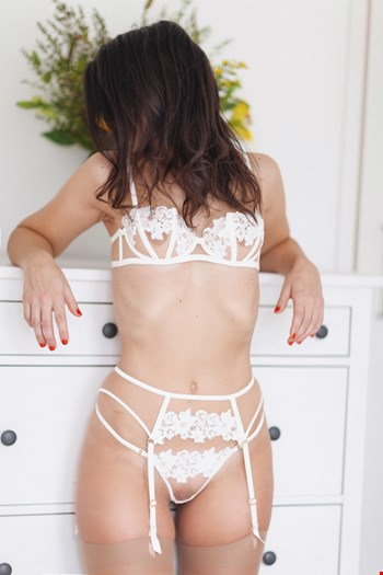 Escort London, Escort Maya Eve, London | 29 year old Female escort