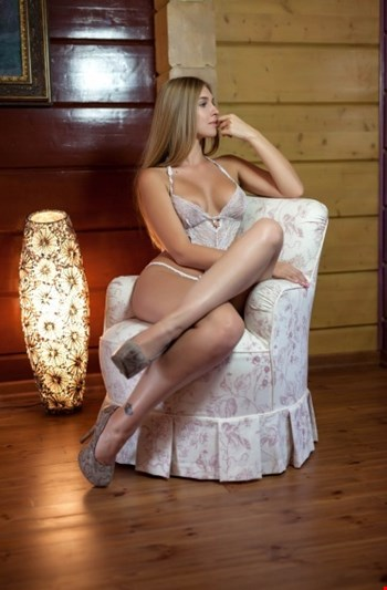 Escort Prague, Escort Agata, Prague | 21 year old Female escort