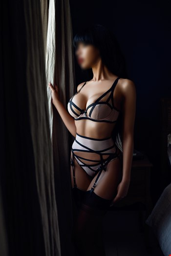 Escort London, Escort Sheba, London | 28 year old Female escort