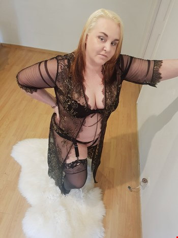 Escort Riga, Escort Helga, Riga | 40 year old Female escort