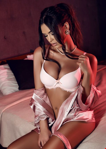 Escort Amsterdam, Escort Lucy, Amsterdam | 23 year old Female escort