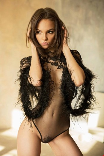 Escort Cannes, Escort Maria, Cannes | 21 year old Female escort