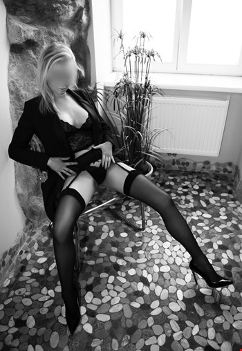 Escort Vienna, Escort Kim, Vienna | 25 year old Female escort