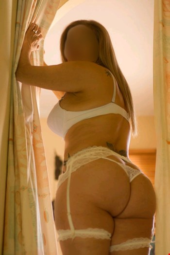 Escort Marbella, Escort Salome, Marbella | 50 year old Female escort