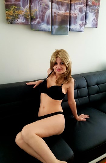 Escort Brno, Sara, escort Brno | 25 year old Female escort