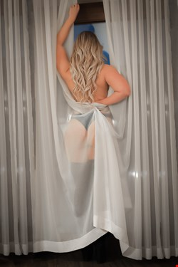 Escort Berlin, Escort Berlin, Chloe | 22 year old Female escort