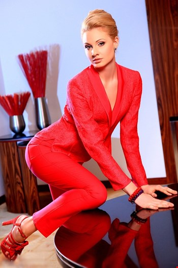 Escort Saint Petersburg, Escort Laura, Saint Petersburg | 27 year old Female escort