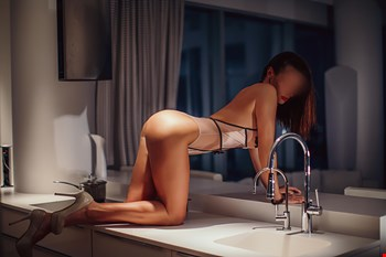 Escort Tallinn, Escort Tallinn, Tiana | 36 year old Female escort