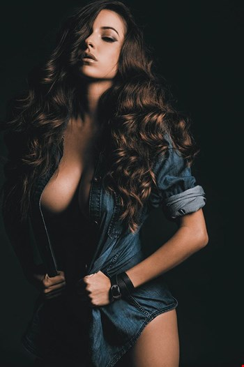 Escort Boras, Escort Neha, Boras | 24 year old Female escort