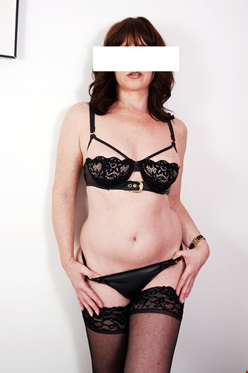 Escort Leicester, Escort Bisara, Leicester | 34 year old Female escort