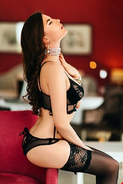 Escort Cannes, Escort Cannes, Darina | 22 year old Female escort