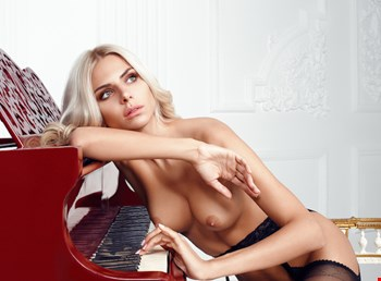 Escort Cannes, Escort Anna, Cannes | 21 year old Female escort