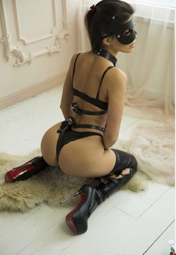 Escort Milan, Escort Monica, Milan | 22 year old Female escort