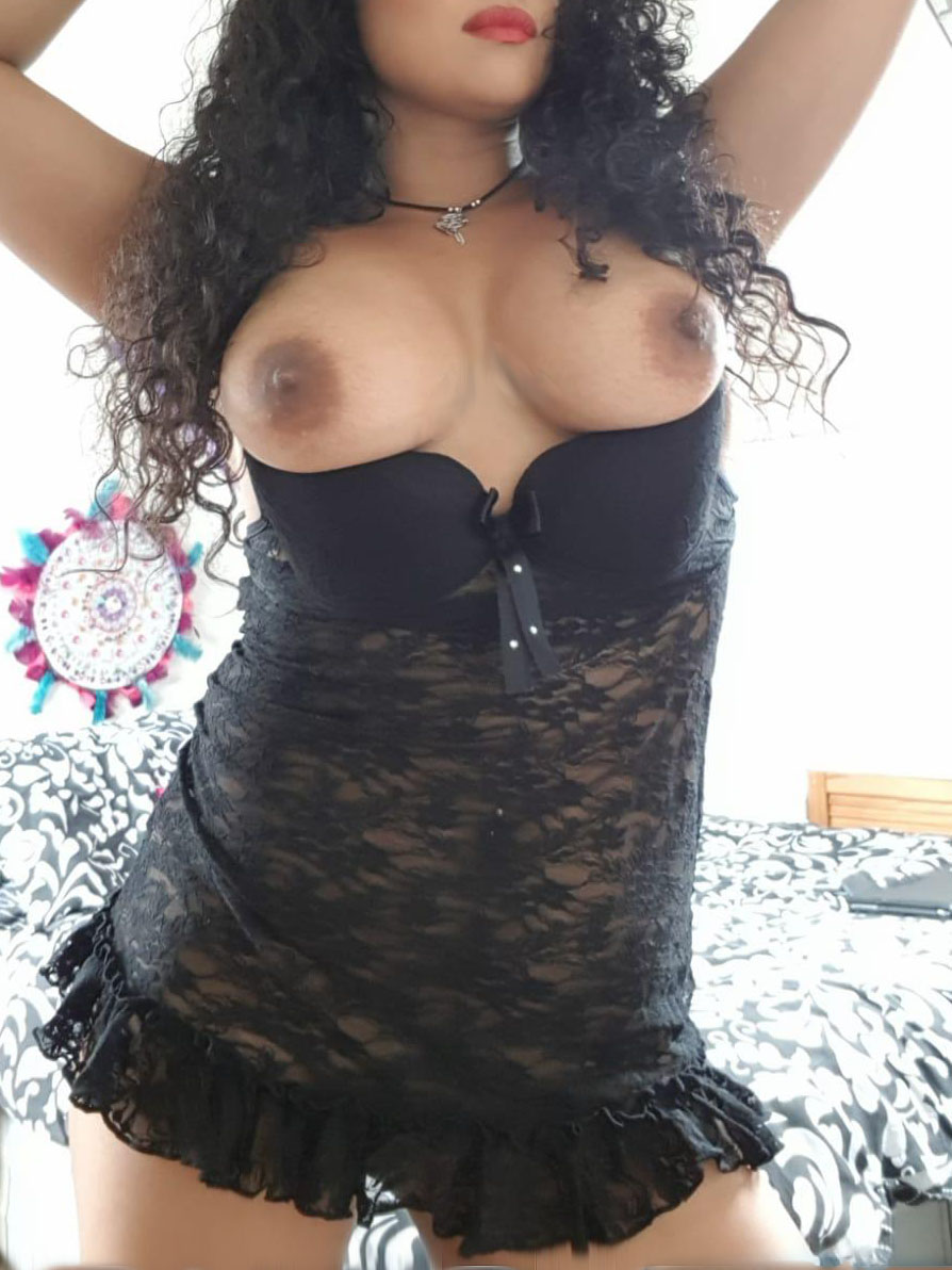 Chicago Latina Escort