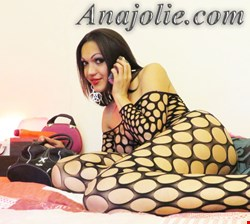 Escort Paris, SHEMALE 24H, escort Paris | 28 year old Female escort