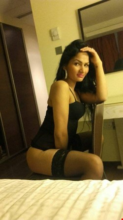 Escort Bucharest, MIRA HOT, escort Bucharest | 21 year old Female escort
