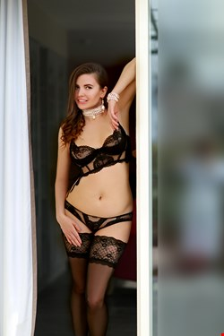 Escort Cannes, Darina, escort Cannes | 22 year old Female escort